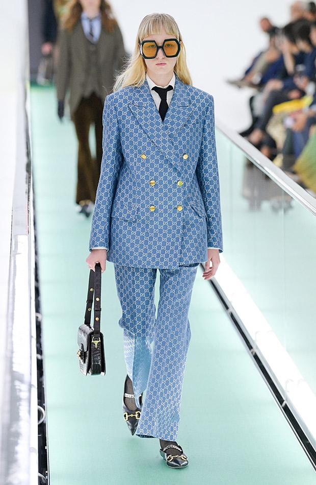 Gucci primavera verano 2020 traje estampado