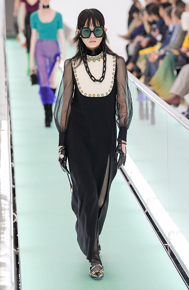 Gucci primavera verano 2020 vestido babero
