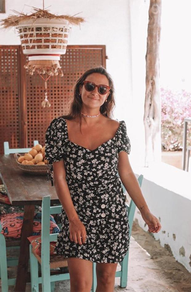 Marta Pombo con vestido floral
