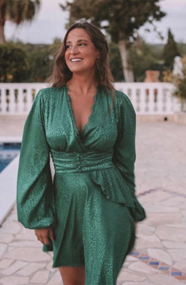 Marta Pombo con vestido verde