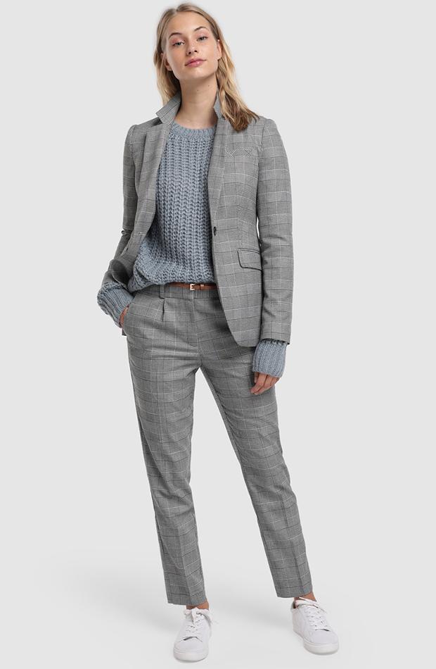 traje de chaqueta gris cuadros gales