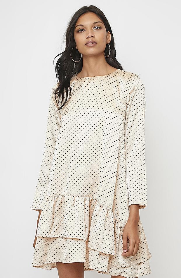 vestido seda con olanes prendas en tendencia