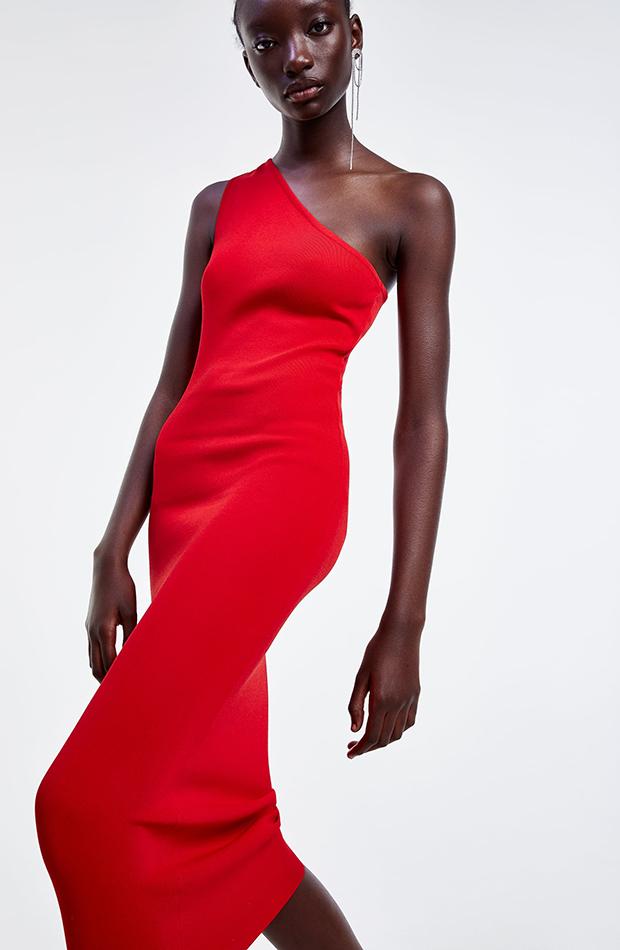 Vestido de tubo con escote asimétrico rojo