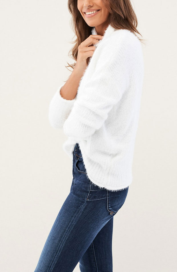 prendas de punto jersey blanco con pelo
