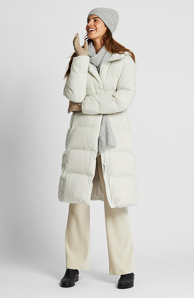 Amor por los básicos Uniqlo abrigo plumas blanco