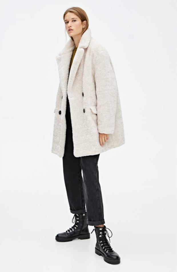 Abrigo peluche con doble botonadura