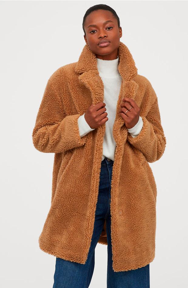 Abrigo peluche camel de H&M