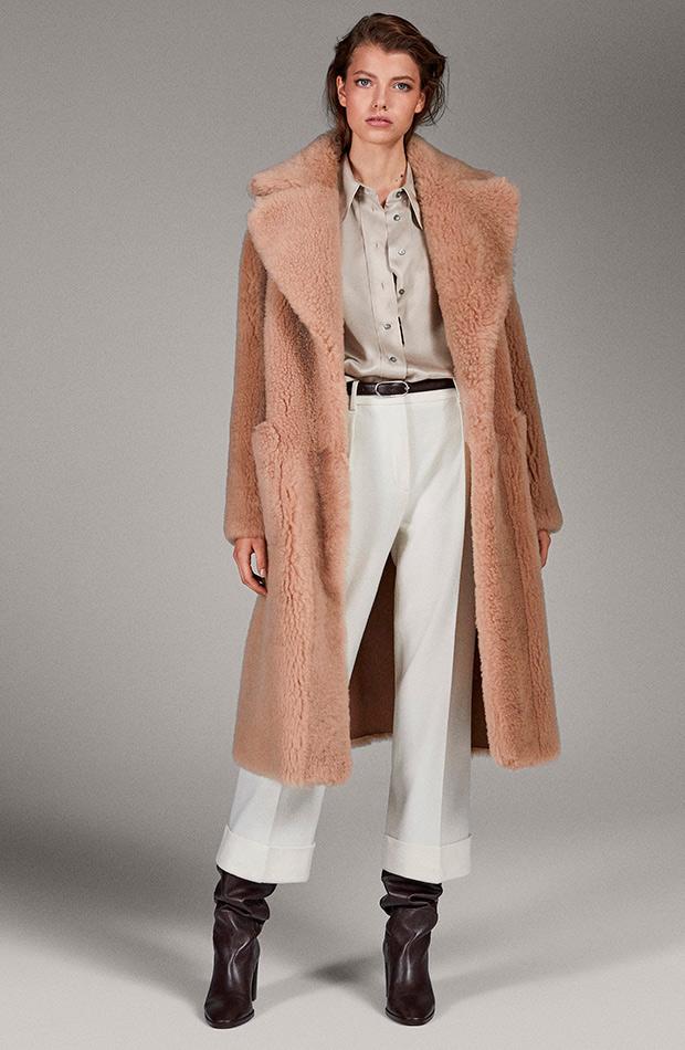 Abrigo peluche beige de Massimo Dutti
