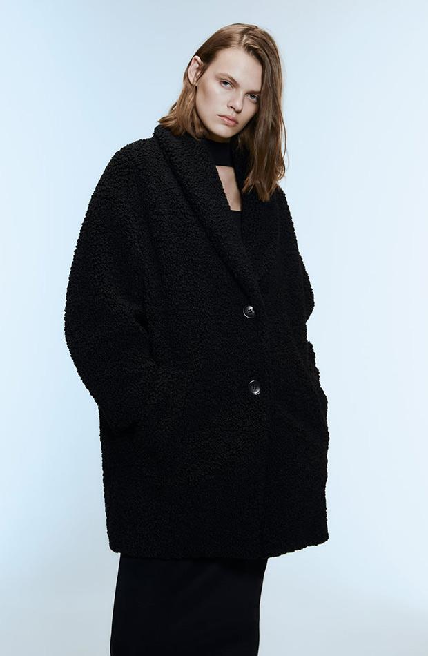 Abrigo peluche negro de zara