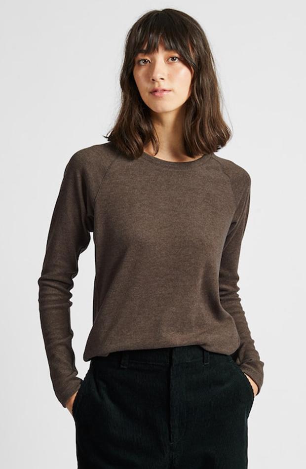 Amor por los básicos Uniqlo camiseta marrón