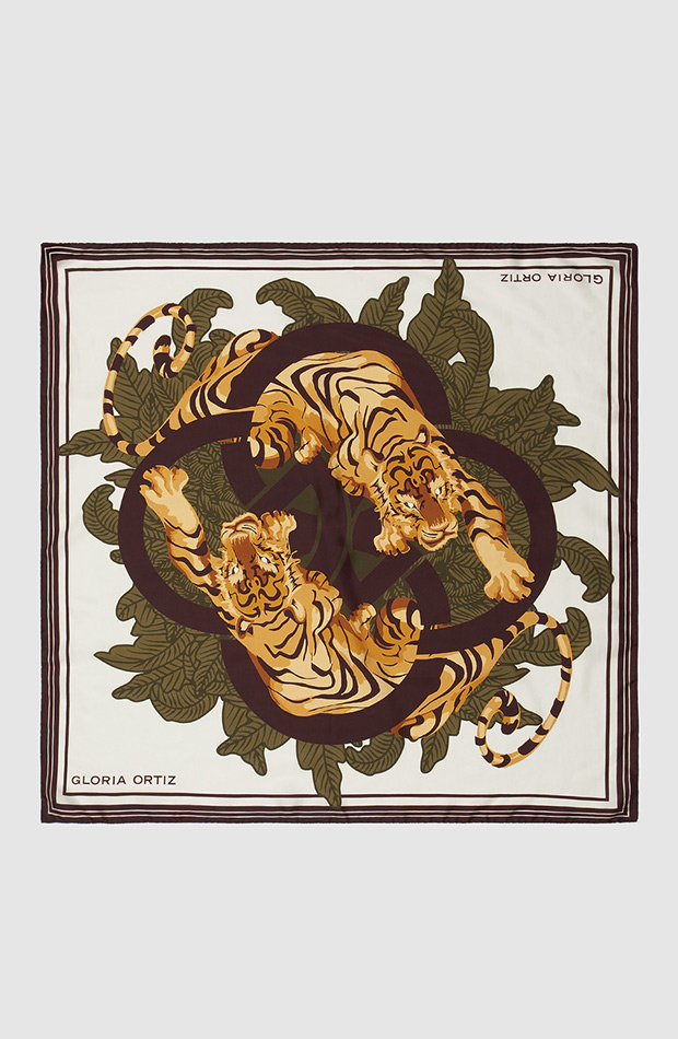 panuelo con tigre gloria ortiz