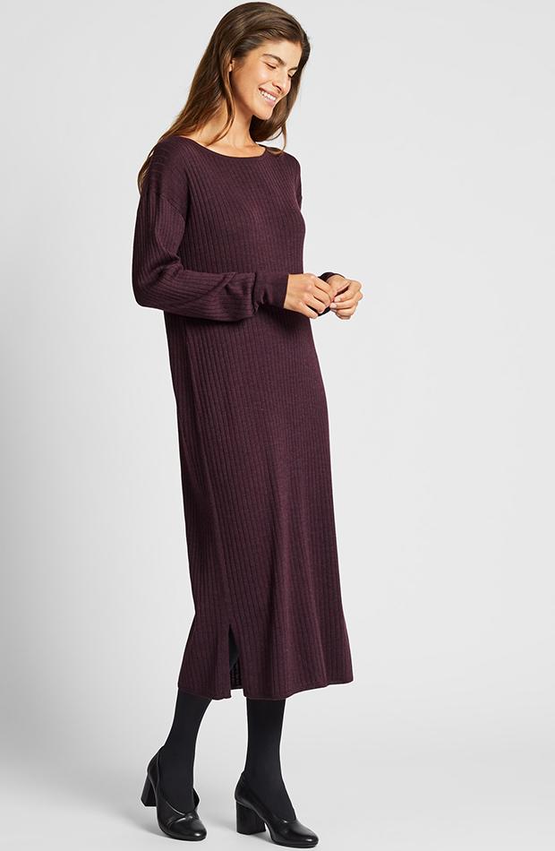 Amor por los básicos Uniqlo vestido berenjena