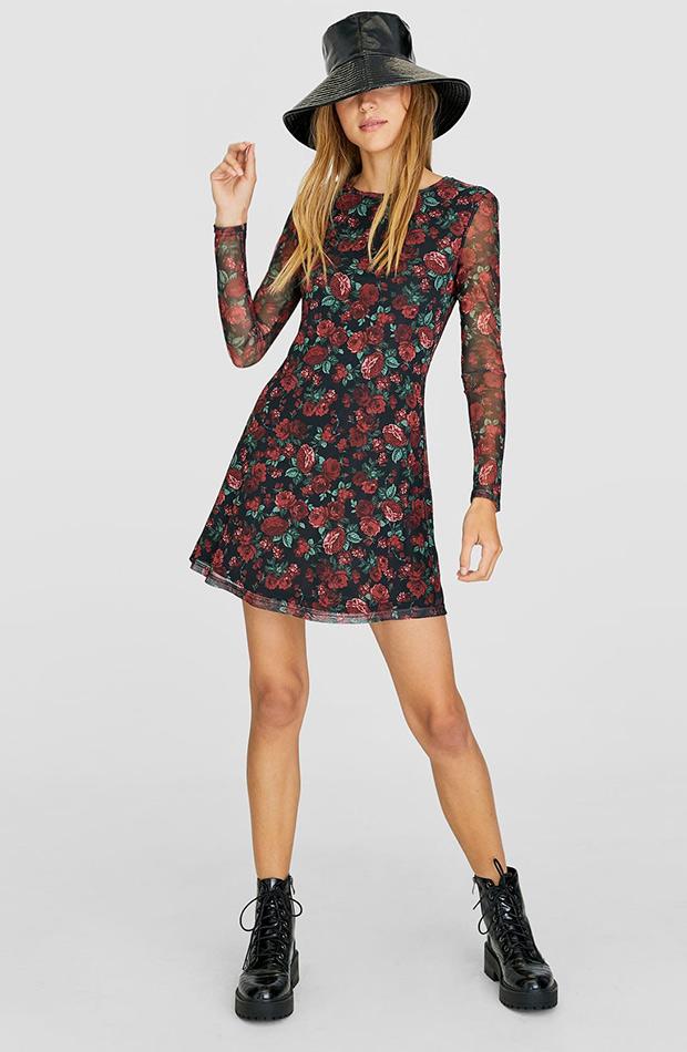 Vestido de flores de tul de Stradivarius