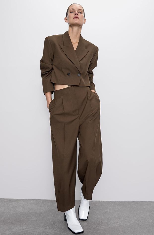 Los ochenta Traje marron khaki de Zara