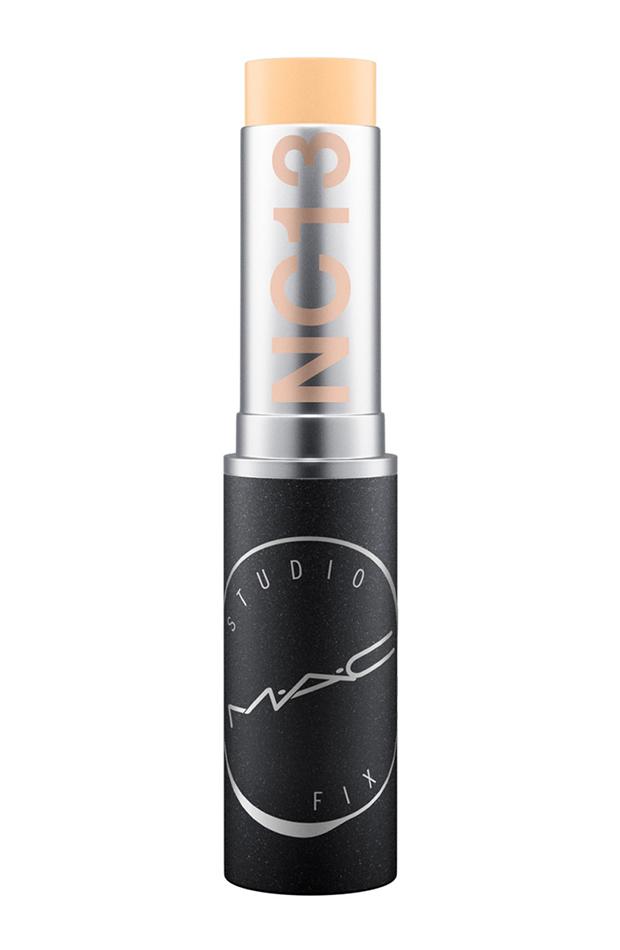 productos de belleza en stick maquillaje mac