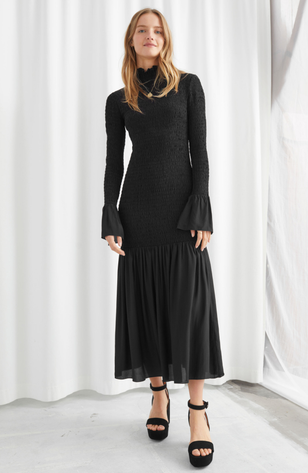 & Other stories colección Upscale Casual vestido negro