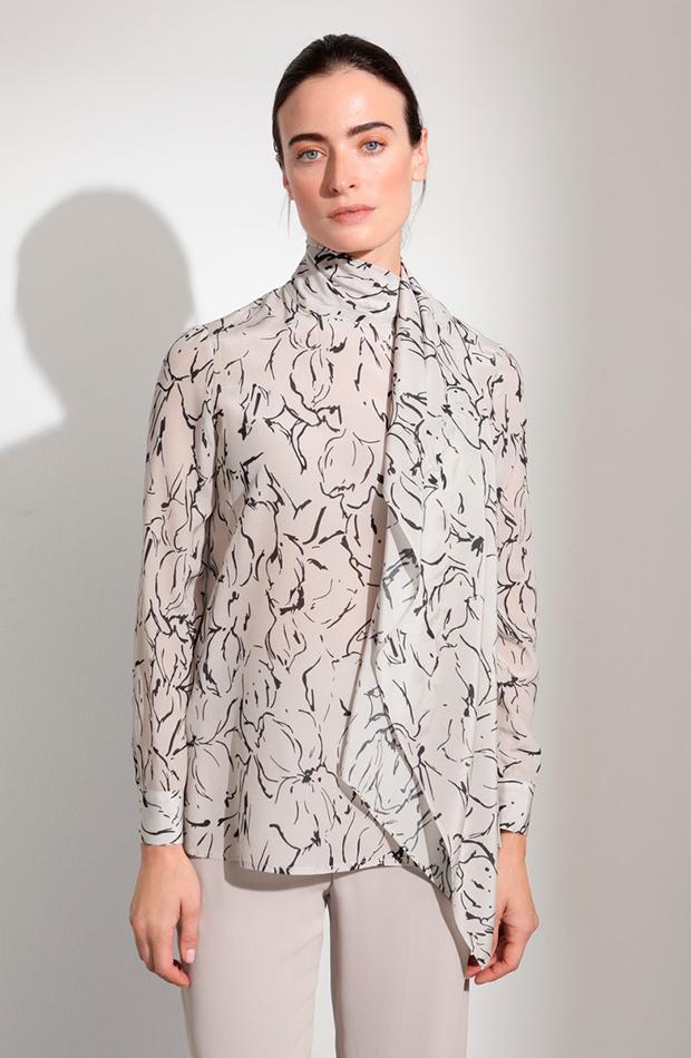 blusa estampada lazo cuello woman looks para cena de empresa