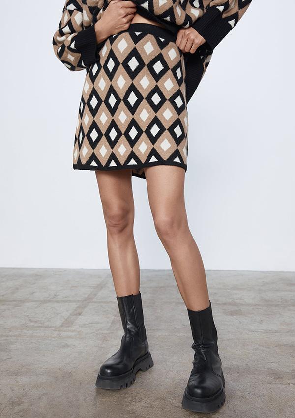Falda de estampado de rombos de Zara