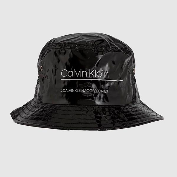 Gorro bucket de Calvin Klein