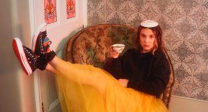 Millie Bobby Brown se une a Converse en una nueva colaboración