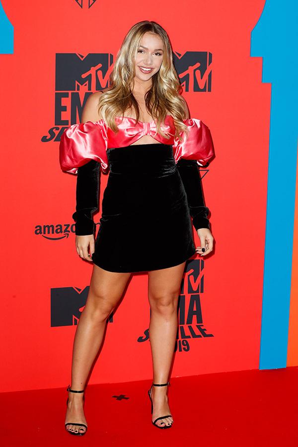 Emma Heesters en los MTV EMAs 2019