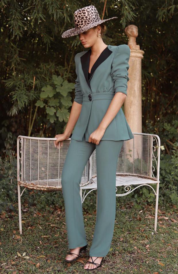 Trajes de chaqueta de invitada Vogana