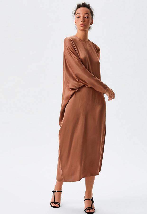 Vestido midi marrón de Adolfo Dominguez