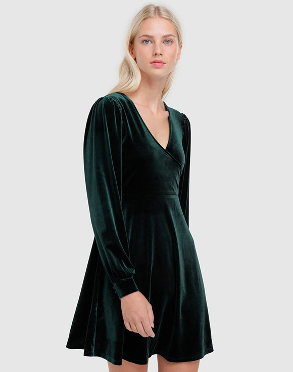vestido verde escote cruzado easy wear prendas de terciopelo