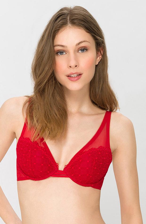 lenceria roja variance
