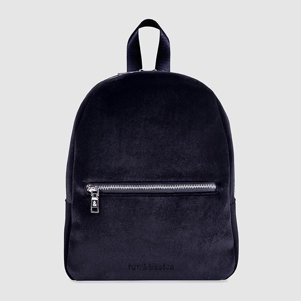 fun and basics mochila de terciopelo negra