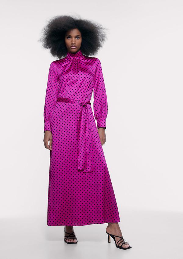 Vestido largo de Zara satinado de lunares