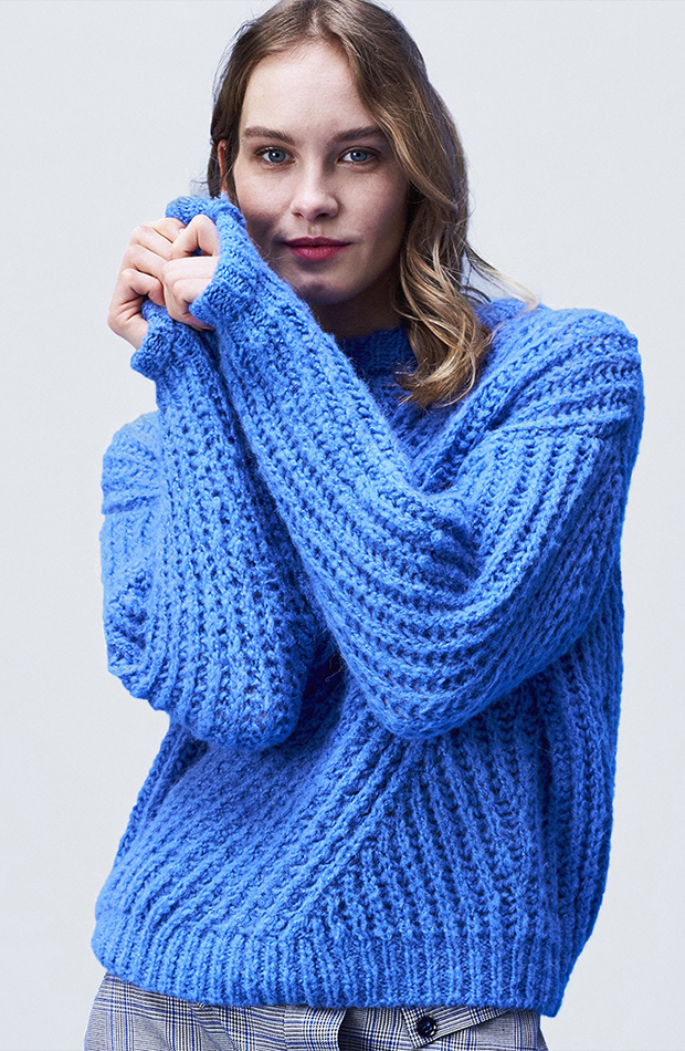 jerseis de punto azul tejido
