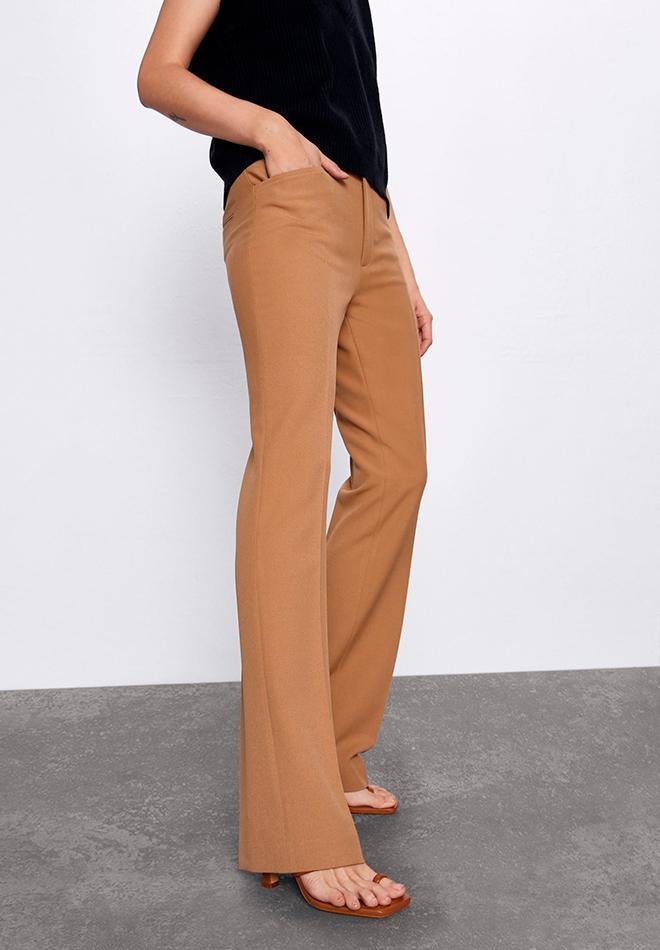 Pantalón flare camel de las Novedades de Zara primavera 2020