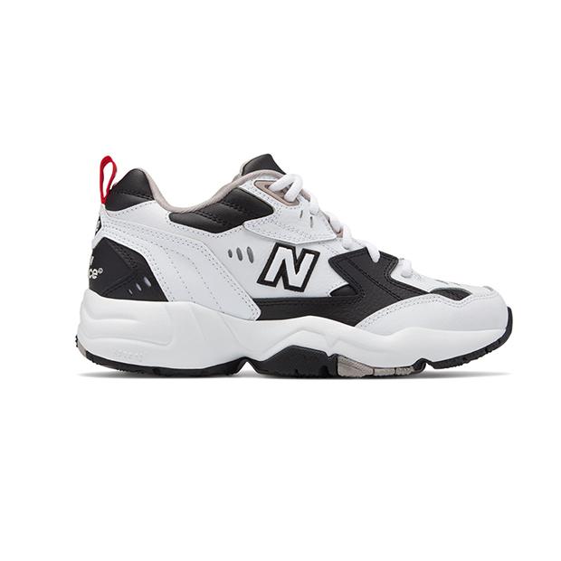 zapatillas en tendencia blanco y negro New Balance