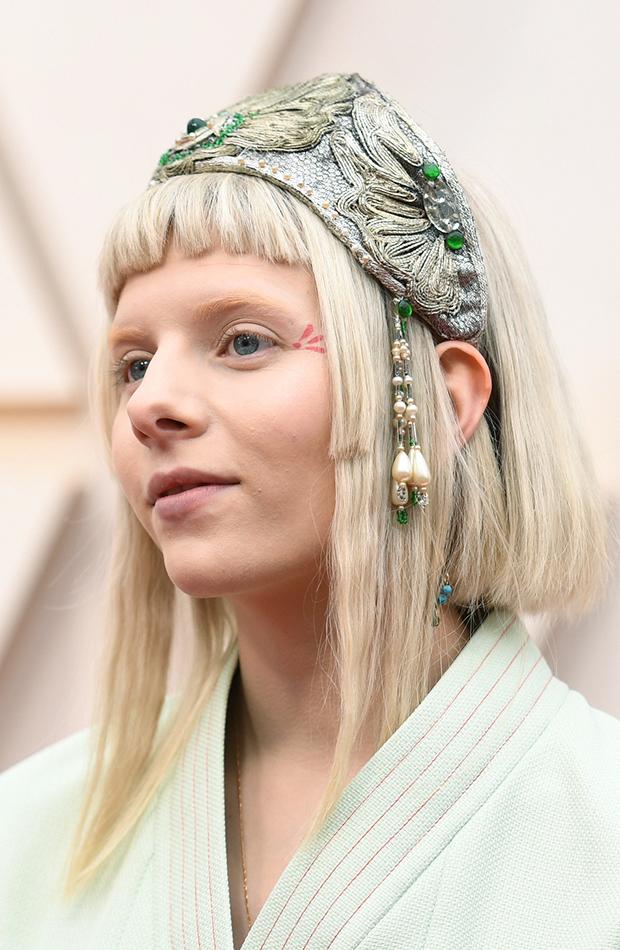Aurora Looks beauty Oscar 2020