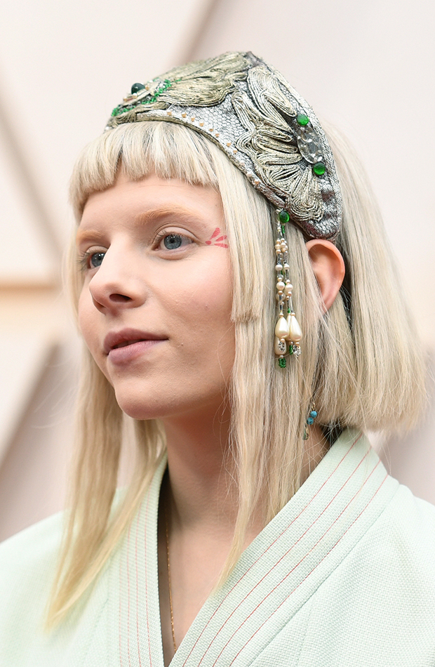 Aurora Looks Beauty Oscar 2020