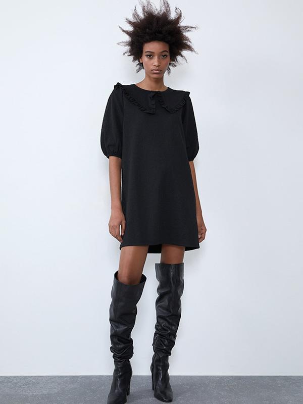 Vestido negro de Zara con cuello bobo