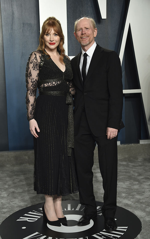 Bryce Dallas Howard y Ron Howard en la Vanity Fair Oscar Party 2020