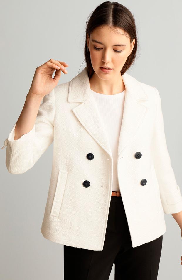 prendas de primavera chaqueta blanca doble botonadura formula joven