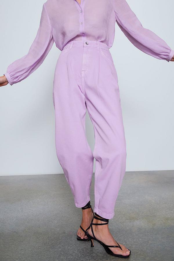 Jeans color lila de Zara
