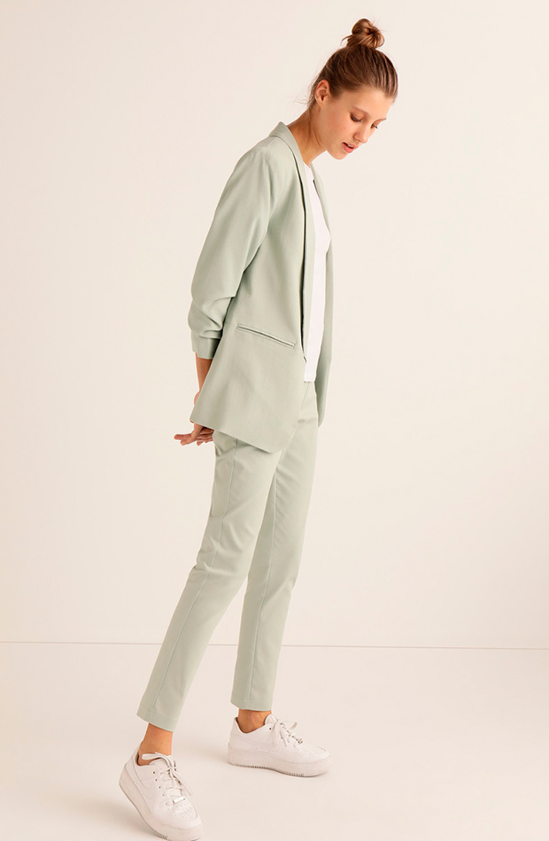 trajes pantalón verde pastel claro easy wear
