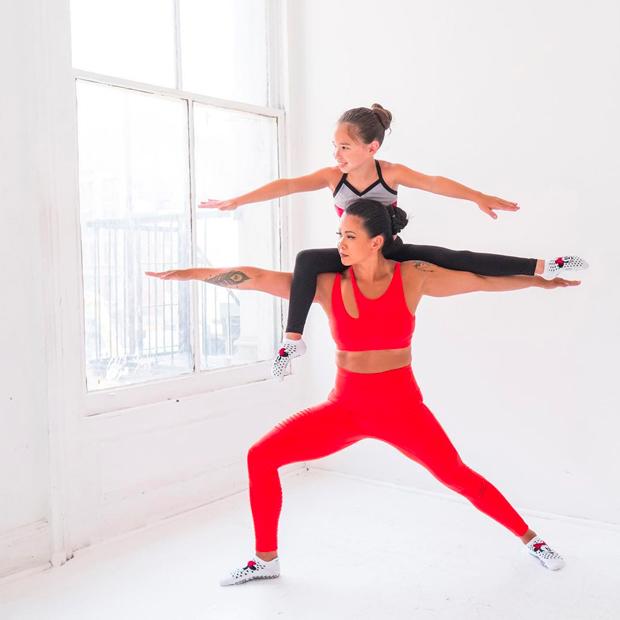 laurasykora cuentas de Instagram para practicar yoga
