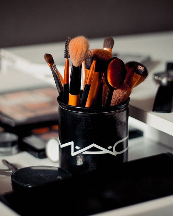 limpieza de kit de maquillaje brochas