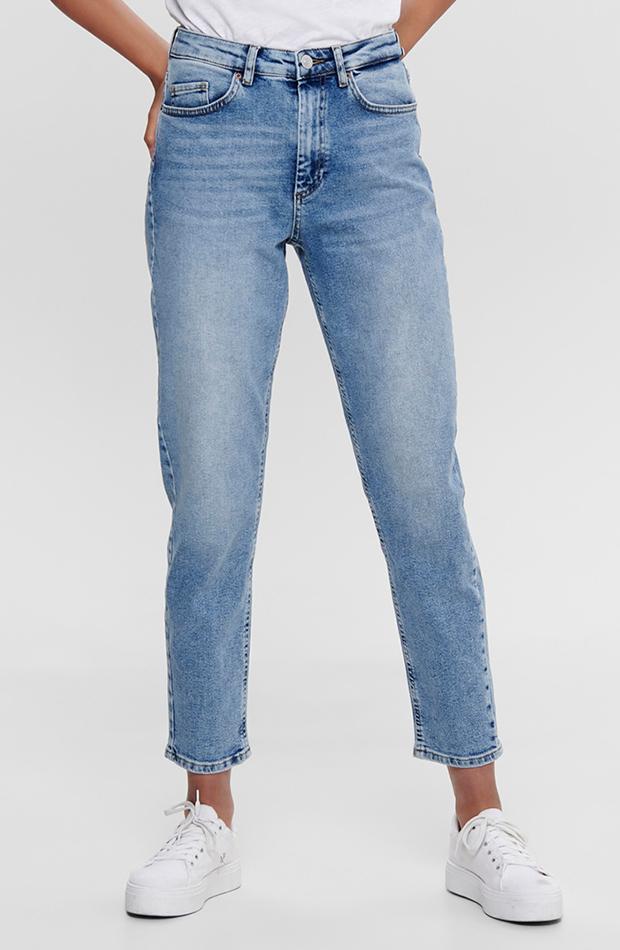cambio de armario básicos pantalón de mujer vaquero de corte mom fit only