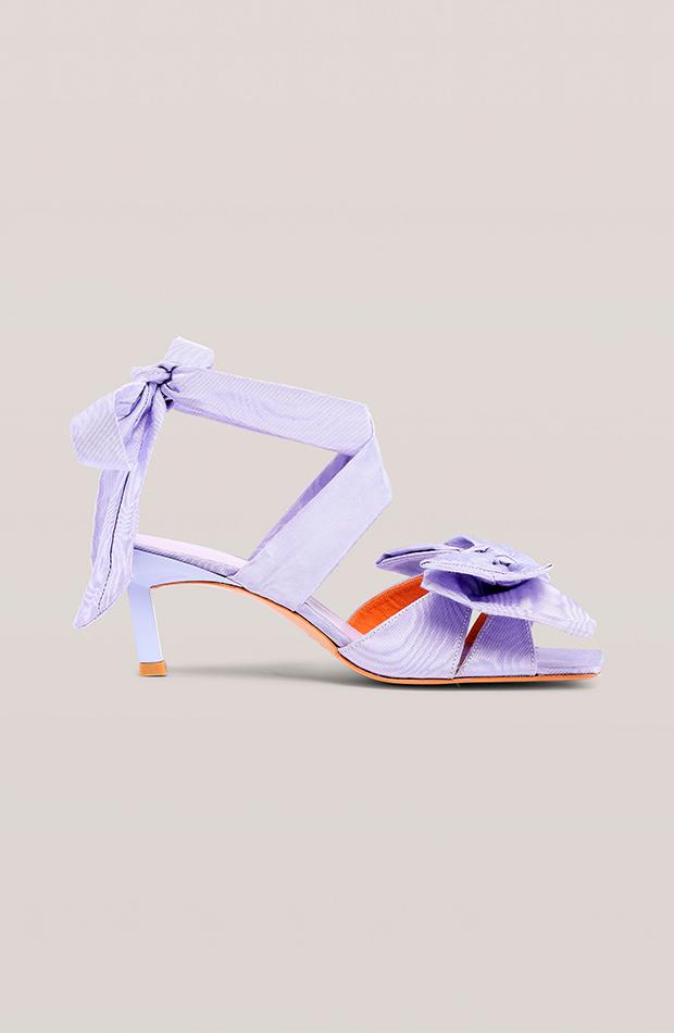 ganni sandalias lila lazo zapatos invitada para verano