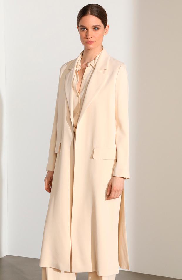 looks en blanco abrigo largo de mujer en color vainilla woman limited