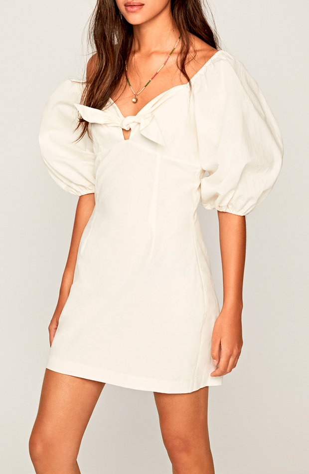 looks en blanco vestido corto con detalle de lazo color blanco pepe jeans
