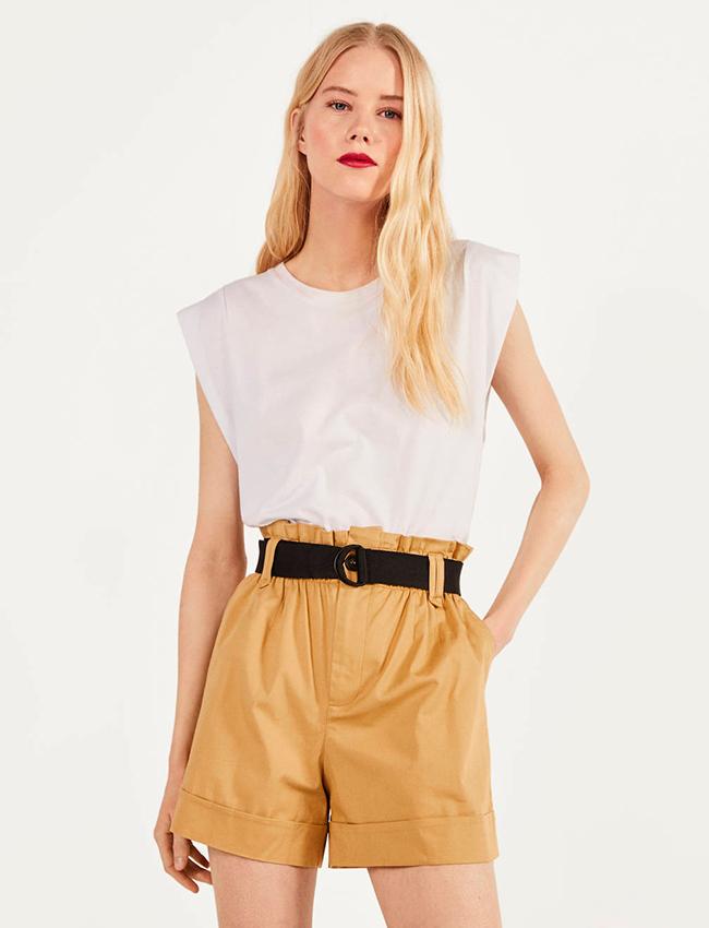 Mini Shorts camel de Bershka