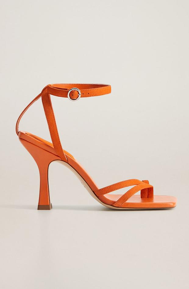 sandalia de tacón tiras naranjas zapatos invitada para verano