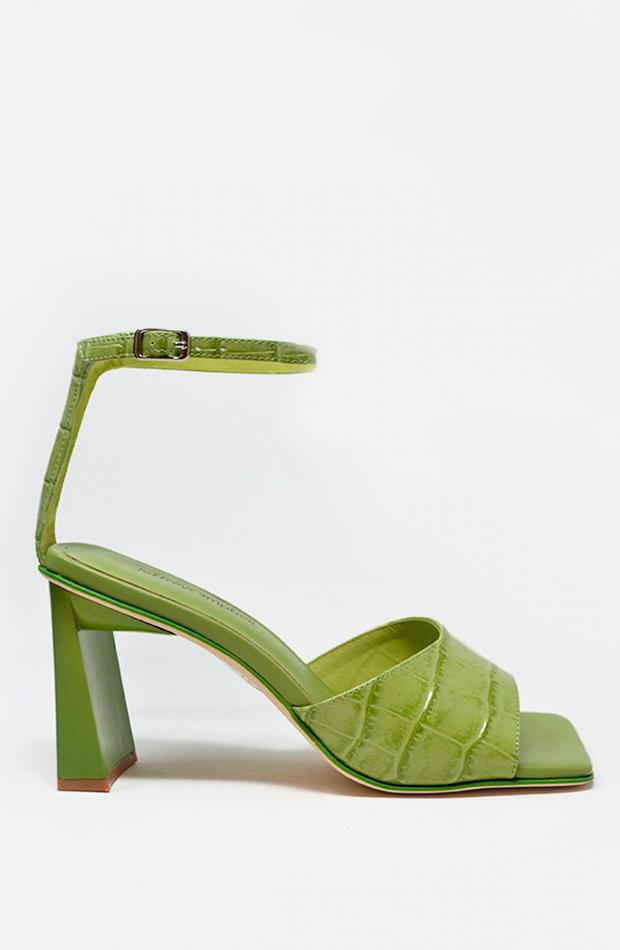 sandalia verde au revoir cinderella jeffrey campbell zapatos invitada para verano